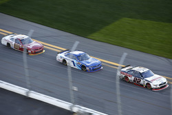 Joey Logano, Team Penske Ford; Elliott Sadler, JR Motorsports Chevrolet; Chase Elliott, JR Motorspor