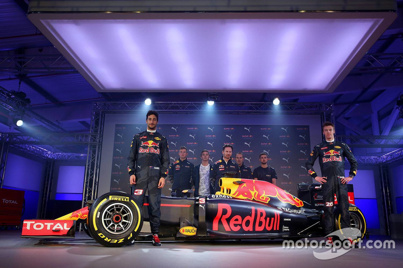 8. Daniel Ricciardo and Daniil Kvyat with the Red Bull Racing RB12 livery