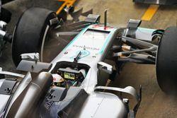 Lewis Hamilton, Mercedes AMG F1 W07 Hybrid ai box