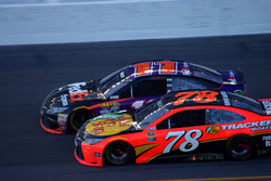 Denny Hamlin, Joe Gibbs Racing Toyota; Martin Truex Jr., Furniture Row Racing Toyota