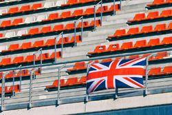 Un drapeau britannique dans les tribunes