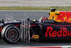Daniil Kvyat, Red Bull Racing RB12 avec des instruments de mesure