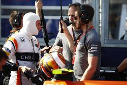 Stoffel Vandoorne, McLaren, sur la grille