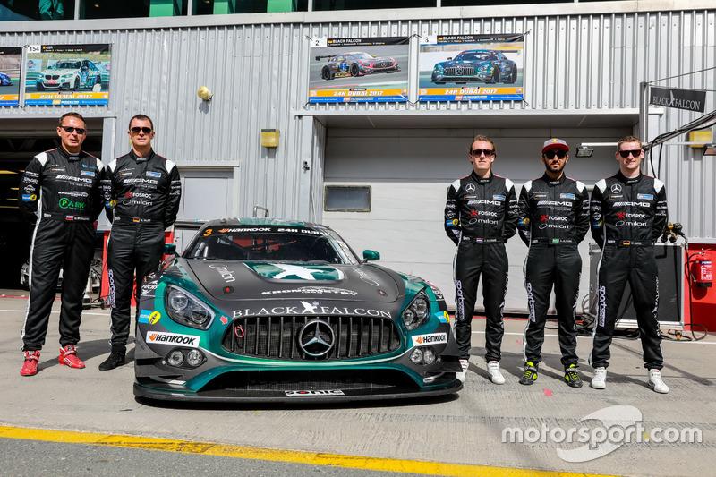Team photo #3 Black Falcon Mercedes AMG GT3: Abdulaziz Al Faisal, Hubert Haupt, Yelmer Buurman, Michal Broniszewski, Maro Engel