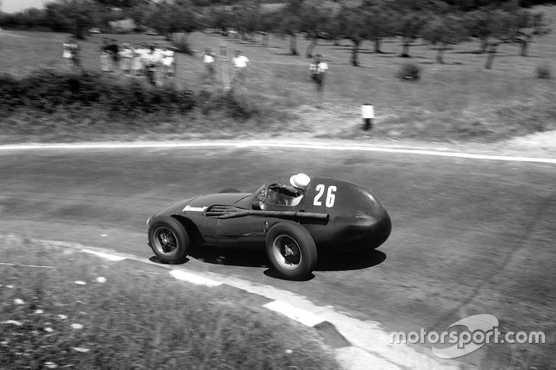 8. GP de Pescara 1957 (Vanwall VW5) - 1º
