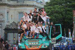 №500 Team De Rooy Iveco: Жерар де Рой, Мои Торралардона и Дарек Родевальд
