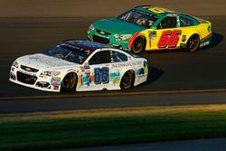Dale Earnhardt Jr., Hendrick Motorsports Chevrolet, Timmy Hill, Rick Ware Racing Chevrolet, Motorspo