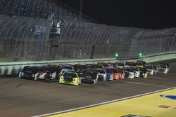 Restart: William Byron, Kyle Busch Motorsports Toyota, Matt Crafton, ThorSport Racing Toyota lead