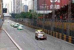 Start action, Laurens Vanthoor, Audi Sport Team WRT Audi R8 LMS leads