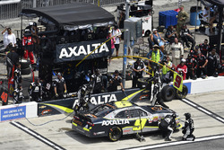 William Byron, JR Motorsports Chevrolet, makes a pit stop