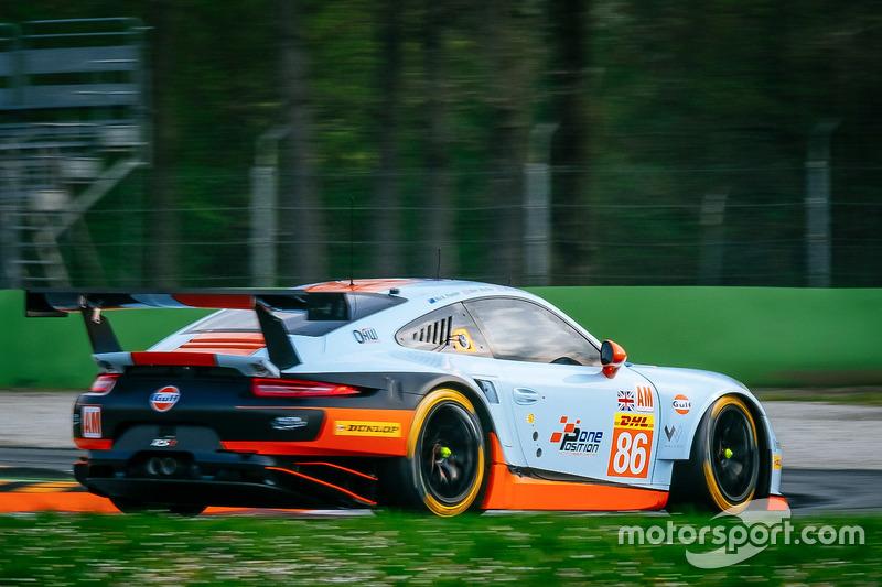 №86 Gulf Racing Porsche 911 RSR: Майкл Уэйнрайт, Бен Баркер, Ник Фостер
