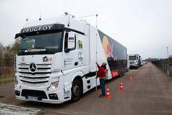 Peugeot Sport team trucks