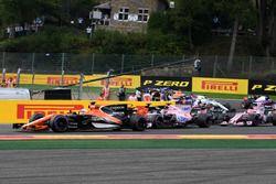 Fernando Alonso, McLaren MCL32 bij de start
