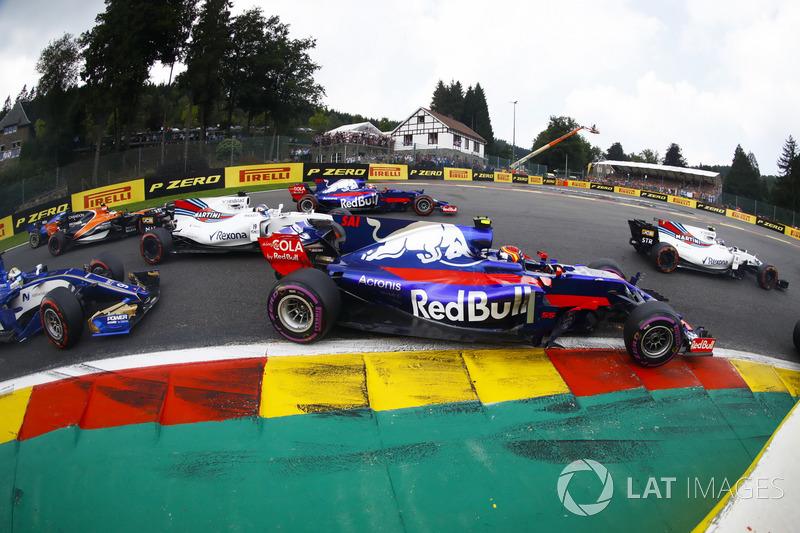 Carlos Sainz Jr., Scuderia Toro Rosso STR12, Felipe Massa, Williams FW40, Marcus Ericsson, Sauber C36