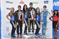 Podio: il vincitore della gara Santiago Urrutia, Belardi Auto Racing, il secondo classificato Juan P