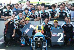 Ganador de la carrera Aron Canet, Estrella Galicia 0,0, segundo lugar Enea Bastianini, Estrella Gali