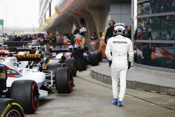Valtteri Bottas, Mercedes AMG, arrive dans le parc fermé