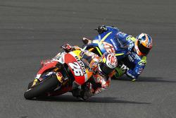 Дани Педроса, Repsol Honda Team, и Алекс Ринс, Team Suzuki MotoGP