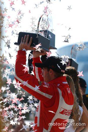 Sébastien Bourdais, Dale Coyne Racing Honda fête sa victoire sur le podium