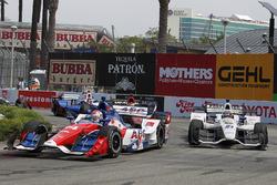 Carlos Munoz, A.J. Foyt Enterprises Chevrolet en J.R. Hildebrand, Ed Carpenter Racing Chevrolet