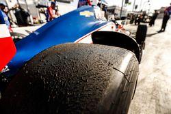 Conor Daly, A.J. Foyt Enterprises Chevrolet, tire