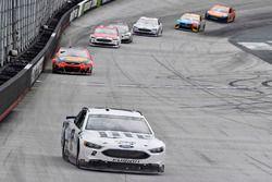 Brad Keselowski, Team Penske Ford, Jamie McMurray, Chip Ganassi Racing Chevrolet