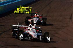 Helio Castroneves, Team Penske Chevrolet, Sébastien Bourdais, Dale Coyne Racing Honda