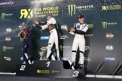 المنصة: الفائز بالسباق ماتياس إكستروم، إي.اكس.آر.اكس، أودي اس1، المركز الثاني سيباستيان لوب، فريق بي