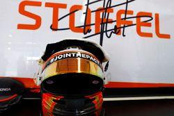 Kask, Stoffel Vandoorne, McLaren
