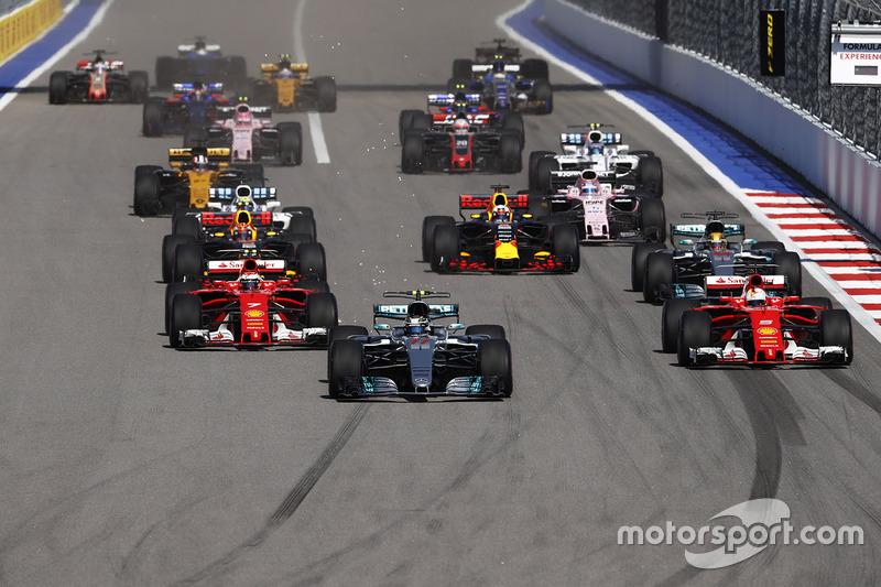 Valtteri Bottas, Mercedes AMG F1 W08, Sebastian Vettel, Ferrari SF70H, Kimi Raikkonen, Ferrari SF70H, Lewis Hamilton, Mercedes AMG F1 W08