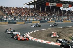 Niki Lauda, BRM P160E hors piste, Chris Amon, Tecno PA123B, Emerson Fittipaldi, Lotus 72E Ford, Mike Hailwood, Surtees TS14A Ford, et David Purley, March 731 Ford