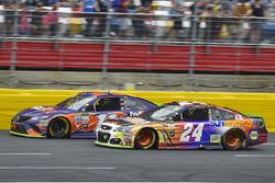 Denny Hamlin, Joe Gibbs Racing Toyota and Chase Elliott, Hendrick Motorsports Chevrolet