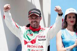 Podium: winnaar Tiago Monteiro, Honda Racing Team JAS, Honda Civic WTCC
