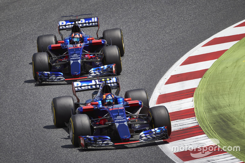 "<h3><img src=""http://cdn-1.motorsport.com/static/custom/car-thumbs/F1_2017/ToroRosso.png"" alt="""" width=""250"" />Toro Rosso</h3>"
