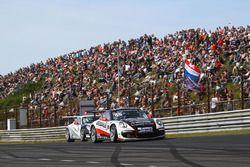 #99 Dylan Derdaele, De Bokkenrijders, Porsche GT3 Cup 991 devant #53 Umit Ulku, Toksport WRT, Porsche GT3 Cup 991