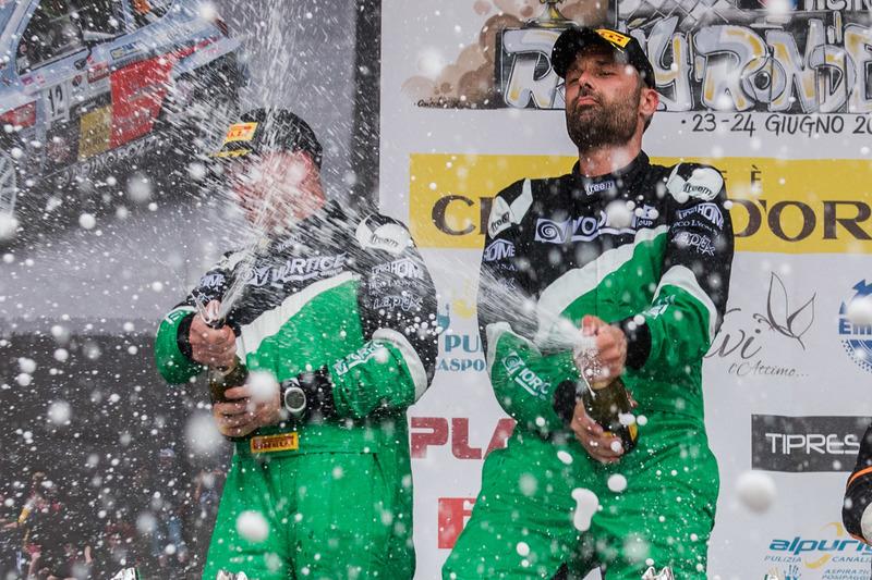 Ivan Ballinari und Paolo Pianca auf dem Podium, Rally Ronde del Ticino