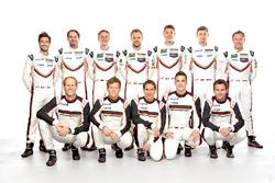 Gruppenfoto: Porsche-Werksfahrer 2017