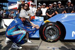 Polesitter: Scott Dixon, Chip Ganassi Racing, Honda