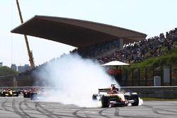 Rinus van Kalmthout, GP2 Dallara Evo, locks up wheels at the start of the race