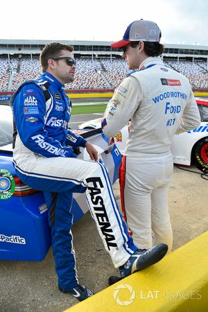 Ricky Stenhouse Jr., Roush Fenway Racing, Ford; Ryan Blaney, Wood Brothers Racing, Ford