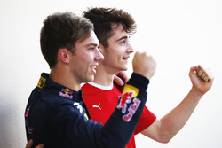 Le Champion GP3 2016 Charles Leclerc, ART Grand Prix et le champion GP2 2016 Pierre Gasly, PREMA Racing