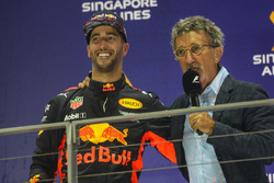 2. Daniel Ricciardo, Red Bull Racing, mit Eddie Jordan, Channel 4