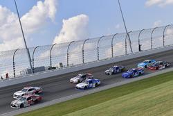 Erik Jones, Joe Gibbs Racing Toyota, Cole Custer, Stewart-Haas Racing Ford, Daniel Suárez, Joe Gibbs