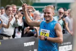 Valtteri Bottas competes in the inaugural Valtteri Bottas Duathlon
