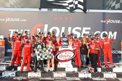Il vincitore della gara Justin Allgaier, JR Motorsports Chevrolet