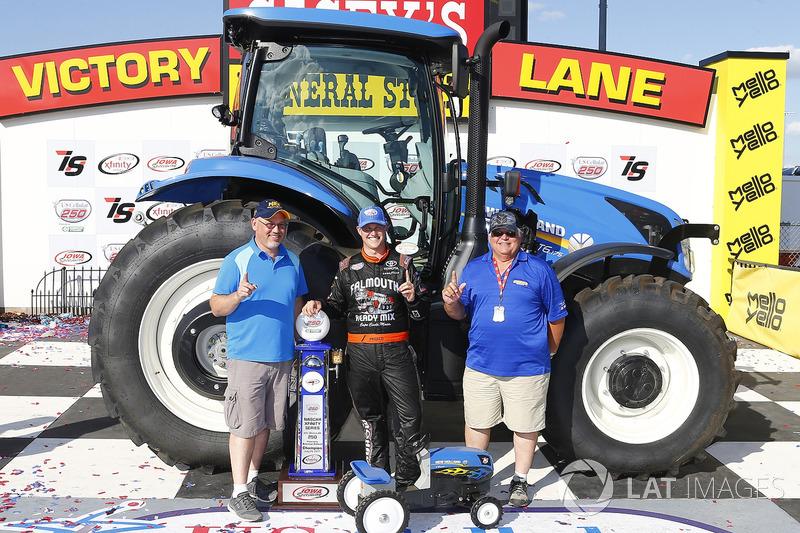 Ganador de la carrera Ryan Preece, Joe Gibbs Racing Toyota