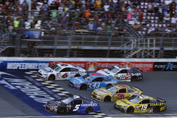 Kasey Kahne, Hendrick Motorsports Chevrolet, Trevor Bayne, Roush Fenway Racing Ford, Darrell Wallace