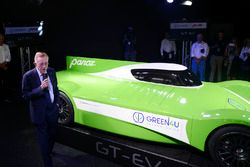 Don Panoz presents the Panoz Racing GT-EV