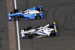 Scott Dixon, Chip Ganassi Racing, Honda; J.R. Hildebrand, Ed Carpenter Racing, Chevrolet