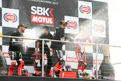Podium: race winner Jonathan Rea, Kawasaki Racing, second place Tom Sykes, Kawasaki Racing, third pl